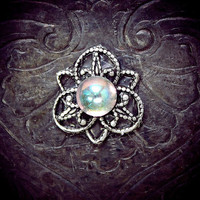 Snowflower Bindi, snowflake flower, aurora borealis glass, silver filigree, forehead jewelry, bellydance, bollywood, tribal fusion, wicca