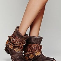 FREEBIRD by STEVEN Womens Wyatt Ankle Boot - B