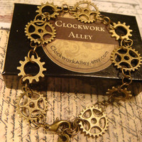 Antique Bronze Gear and Cog Steampunk Bracelet (1615)