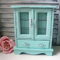 Aqua Vintage Musical Jewelry Box, Light Aqua Blue Painted Jewelry Holder, Beach Cottage, Jewelry Chest, Up Cycled, Gift Ideas