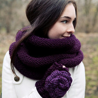 Set: Knitted Infinity Scarf Plum Cowl and fingerless glove set