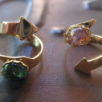 Arrow Wrap Ring Green Or Pink Glass Opal Adjustable Twist Brass Stone Gold Tone Finger Jewelry
