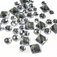 100 PCS Mix Crystal Rhinestones Cabochons for Embellishments Decorations and Hot fix.