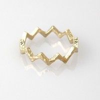 Zigzag simple ring