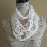 knit Infinity scarf. White cowl. Made by Bead Gs on ETSY. skinny scarf.