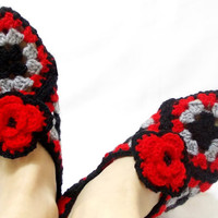 Crocheted Granny Square Slippers - Christmas Slippers- Red Grey and black Women's Slippers -Cozy slippers- House shoes