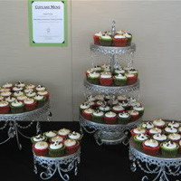 Classy Girl Cupcakes: Wedding Cupcake Display