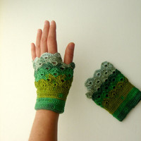 Handmade Fingerless Crochet Gloves / St. Patric's Day / Shamrock /Gift Guide / Special Desing / Size M / Green