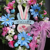 Easter Wreath – Easter Bunny Welcome sign Easter egg wreath with Large deco Mesh Bow and XL Blue Gerber Daisies » Craftori