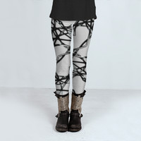 Black and White Cables Pattern by Daniel Ferreira-Leites (Leggings)