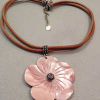 Carolyn Pollack MOP Necklace Sterling Silver Pink Mother of Pearl 925 Leather Chain Southwestern RELIOS New Vintage Jewelry Shell flower