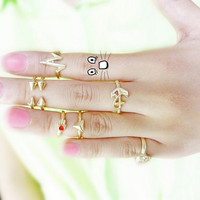 Fashion Delicate Golden Triangle Rivet Boat Anchor Skull Joint Ring