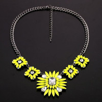 Bohemian Style Yellow Resin Crystal Flower Choker Necklace