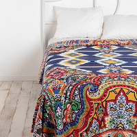 Geo Paisley Tapestry Throw - Urban Outfitters