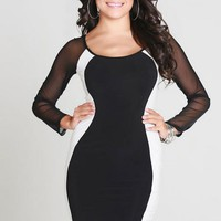 Black Long Sleeve Bodycon Dress w/ White Panels #lbd #bodycon #sexy