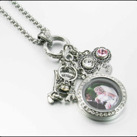 #MotheroftheBride, #PersonalizedWeddingJewelry, Bridal Locket, Daughter's Wedding Gift to Mom, Mother of the Bride Gift