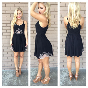 Black & Cream Margarita Embroider Dress