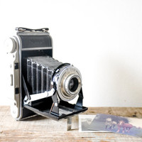 Vintage Braun Norca Super Folding Camera With Brown Leather Case // Vintage Viewfinder Film Camera