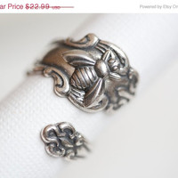 ON SALE Antique Spoon Ring, Silver Bee Ring, Silver Spoon Ring,Antique Ring,Silver Ring,Wrapped,Adjustable,B­ridesmaid.