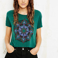 Title Unknown - T-shirt imprimé fleurs indiennes - Urban Outfitters
