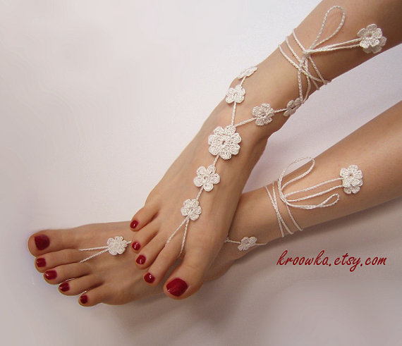 Barefoot Sandals IVORY BIG FLOWER ecru foot jewelry by kroowka