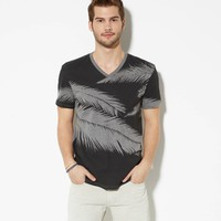 AE FEATHERS VINTAGE V-NECK T-SHIRT
