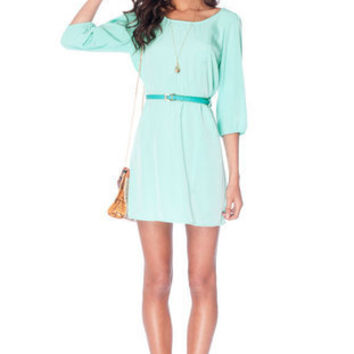 Sera Belted Zip Dress in Seafoam :: tobi