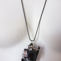 Smile Please, Tinkerbell Camera Necklace, Flash Interactive Miniature Jewelry With Sound, Novelty Camera Buff