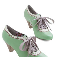 Poetic License Vintage Inspired Model Home Heel in Mint