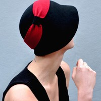black and red cloche new hat not discounted by yellowfield7
