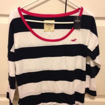 Hollister Striped Bold Stripe Navy White Scoop Crop T Shirt Striped White/Navy 25% off retail