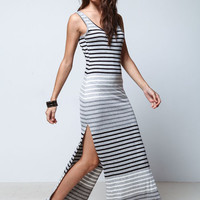 BLACK GRADIENT STRIPES MAXI DRESS