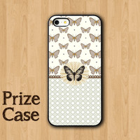 BUTTERFLY IPHONE 5S CASE Beautiful Insect with Pokadot iPhone Cases iPhone 5 Case iPhone 4 Case Samsung Galaxy S4 Cover iPhone 5c iPhone 4s