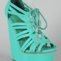 Privileged Chandlar Strappy Platform Wedge