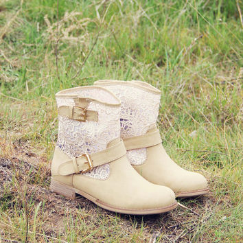 Stormy Desert Lace Boots