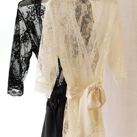 Victoria's Secret - All-over Lace Kimono