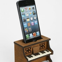 iPhone 5/5s Music Amplifier - Urban Outfitters