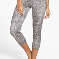 Onzie Low Rise Capri Pants