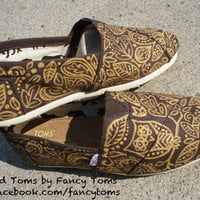 Handpainted Custom TOMS Shoes  Owl and Leaf Design by FancyToms