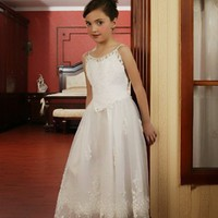 Popular A-line Spaghetti Straps Organza Flower Girl Dresses With Applique