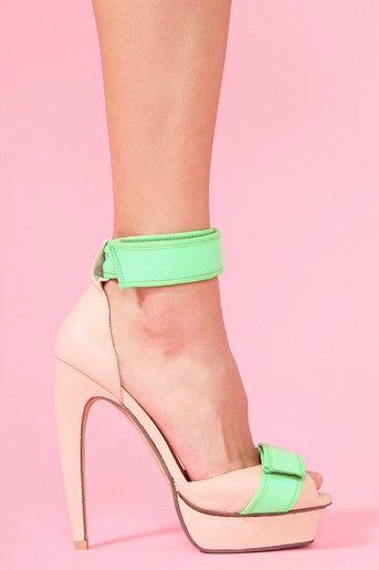 Smoosh Platform Pump - Nude  in  What's New at Nasty Gal