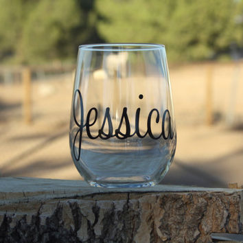 10 Personalized Bridal Stemless Wine Glasses. Great for bachelorette and wedding parties. Custom Bridal Wine glasses.