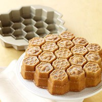 Honeycomb Cake Pan | Williams-Sonoma