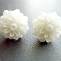 FLOWER EARRINGS post stud chrysanthemum pure by Dewdropsdreams