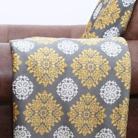 Felecia Printed Plush Throw