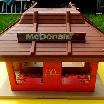 PLAYSKOOL MCDONALD'S LP PLAYSET TOY