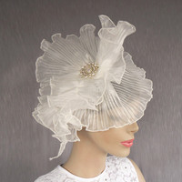 White organza bridal head piece mini weddings by MammaMiaBridal