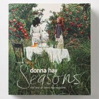Seasons: The Best of Donna Hay Magazine