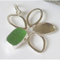 J. Covington Home - Seaglass Daisy Necklace - Green