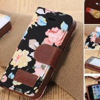 Elegant Flower and Deluxe Book Style Folio PU Leather Wallet with Magnet Design Flip Case Cover, Credit Card Holder for iPhone 5 / 5S / 5C and iPhone 4S (iPhone5C-Black)